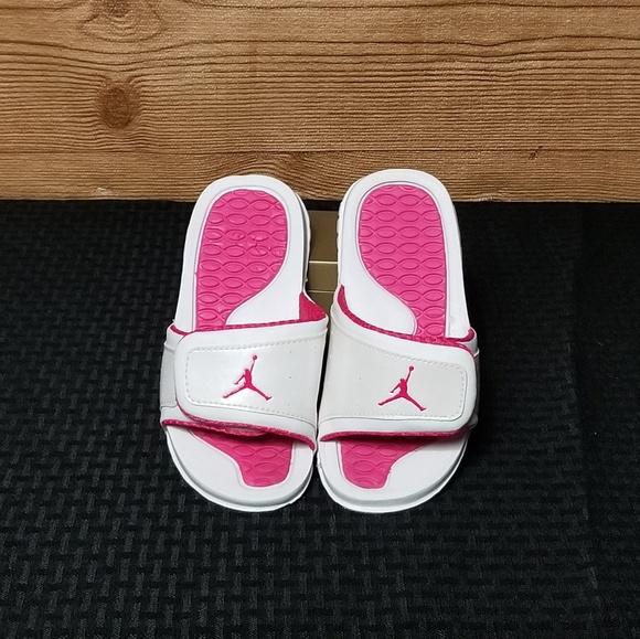 wholesale dealer 874de 9c74b Girls Jordan Sandals